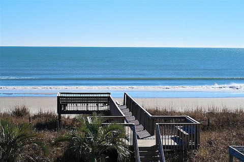 Oceanfront Condo-Pool, Bed & Bath Linens included!