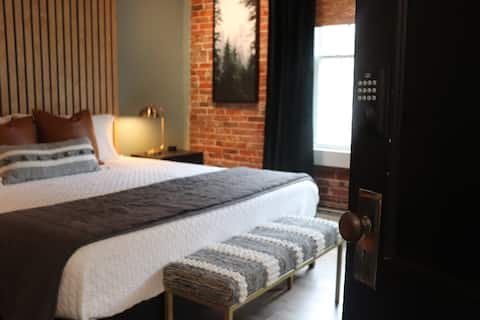 Main Street Lofts - King Suite