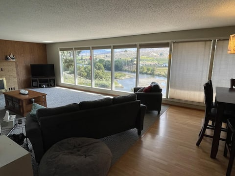 Clifftop Riverview 2 Bed Duplex