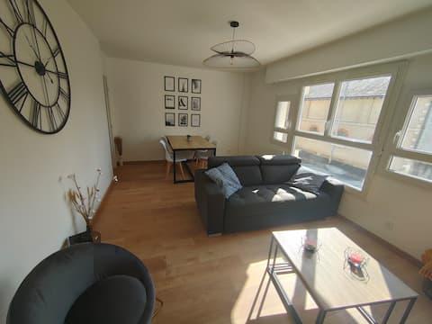 Appartement 70m2 place de la Madeleine