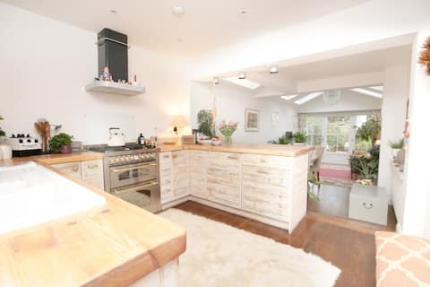 ⭒ Stunning Central Oxford Townhouse ⭒ 2 x Ensuite