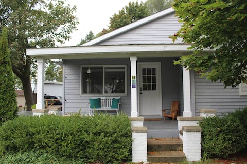 Cozy American Craftsman in the Heart of Charlevoix