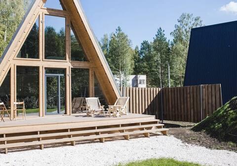 Дом в стиле A-FRAME в лесу