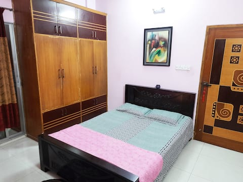 Cozy and Peaceful Home Stay,Bashundhara R/A
