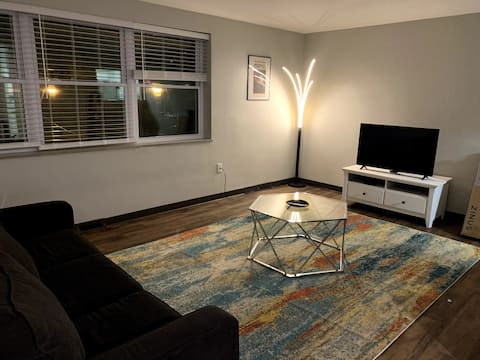 Westport Apartment close to Country Club Plaza