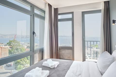 Magnificent Bosphorus View with Terrace/6 bedrooms