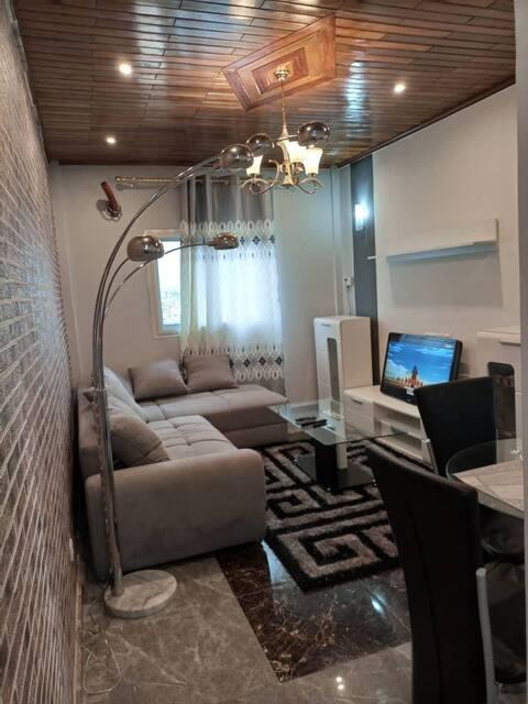 Superbe Appartement meublée à montée Jouvence
