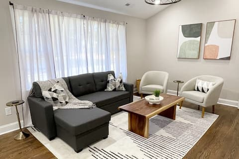 Bright & Airy Modern Home in DT Fuquay Varina