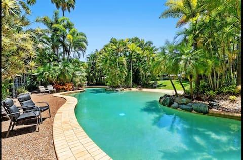 Coastal Retreat, Tennis, 25m Pool
