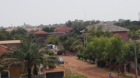 Estudio  com  bela vista em Penha/Bissau