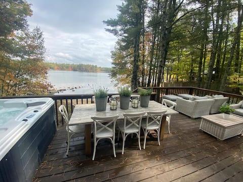 Lakefront designer cabin with hot tub
