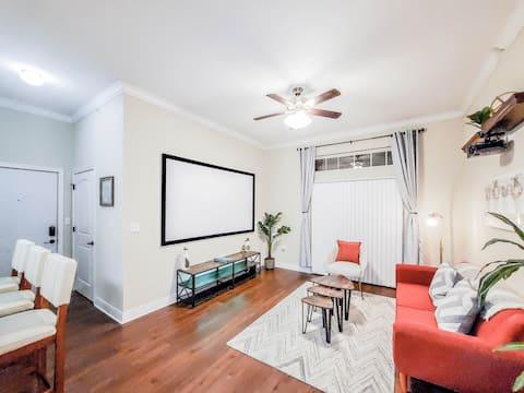Cozy & Relaxing 1 Bedroom | Fast WiFi  & Workspace