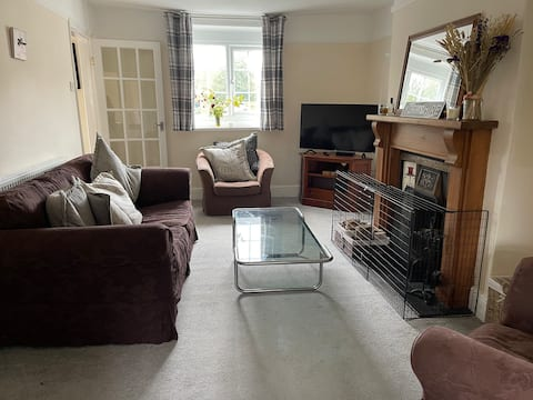 Cosy one bedroom cottage with open fire