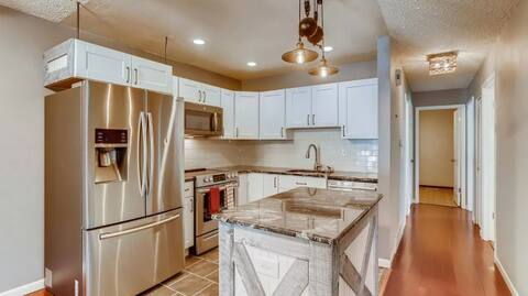 Inviting condo in the heart of CO's Front Range!