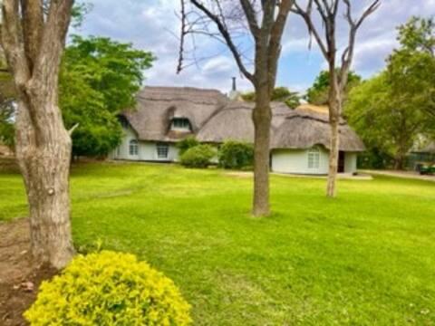 Cozy 5 bedroom villa nestled in nature