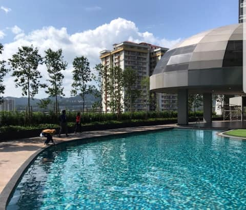 Selayang Comfy 3 bedrooms with pool.