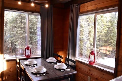 Cozy Goldstream Cabin - pet friendly