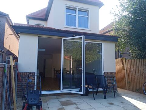 Entire 3 bedroom detached Property Romford, London