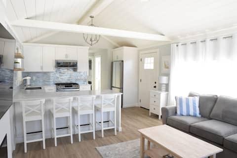 Serene luxury beach bungalow in Pleasure Point