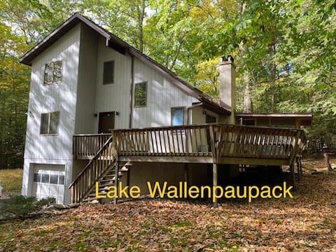 The Saltbox Cabin at Lake Wallenpaupack