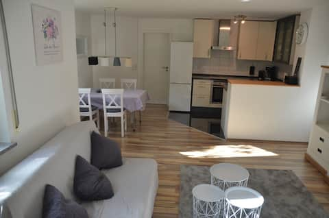 Modernes Apartment mit Terrasse in bester Lage