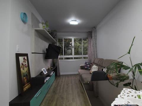 Apartamento aconchegante e bem localizado