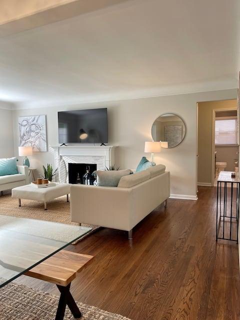 Luxury 4 Bedroom Royal Oak Home