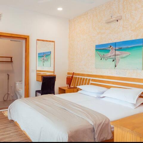 Paris Inn/ Charming 8 Bed room Guest House