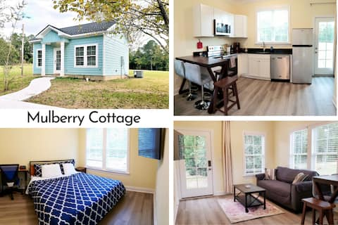 Mulberry Cottage on 16 Acres, No pet fee, king bed