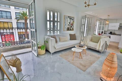 Luxury penthouse in the heart of La MARSA Beach