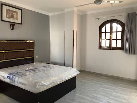New apartment with 2bathrooms at Collosi of Memnon