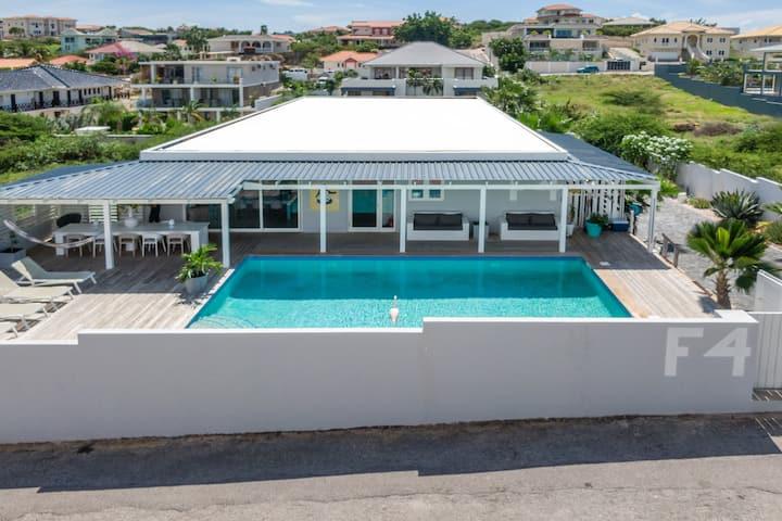 Bed & Breakfast Villa Vermaire Jan Thiel Curacao 1