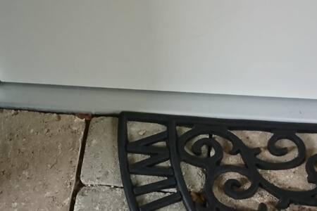 Tür zum Appartement 100cm breit