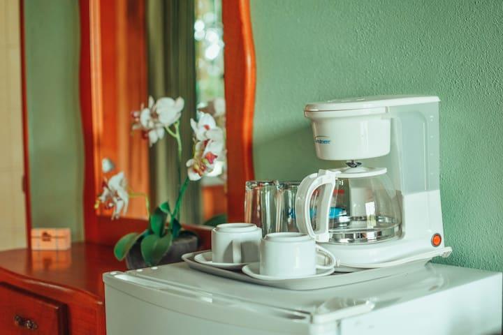 Equipadas con cafetera y refrigerador