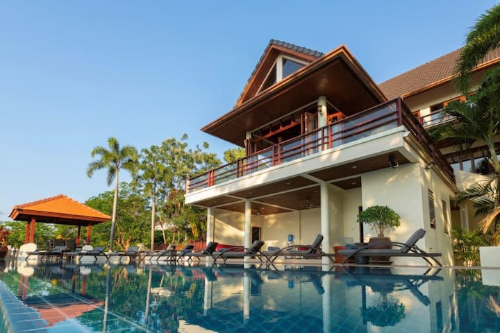 Villa Yoosook in Patong with private pool, fitness