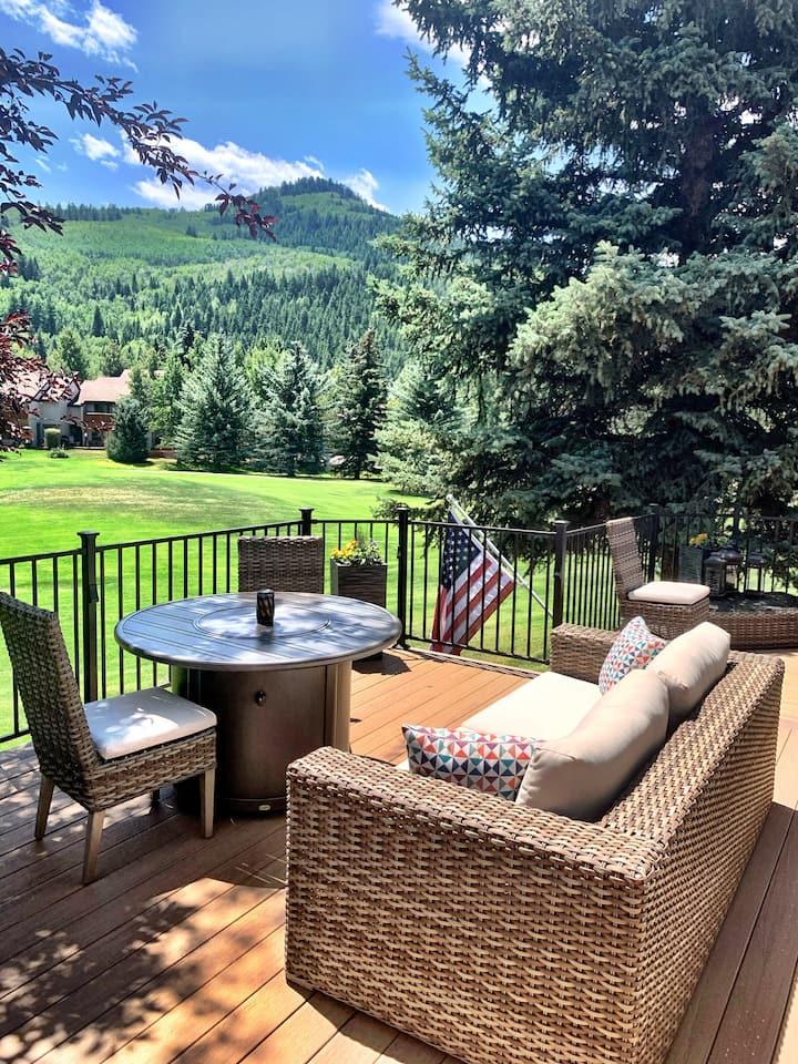Sunny, End Unit on the Eagle-Vail Golf Course!