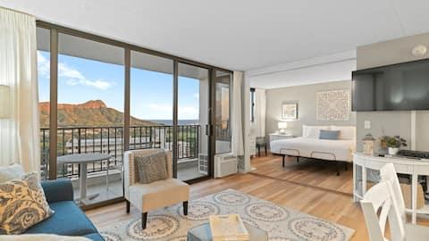 The Wa'a Suite @ The Waikiki Banyan