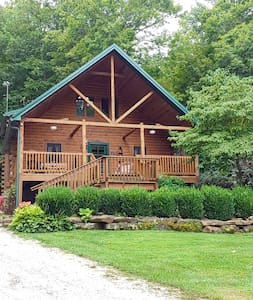 Wise Old Owl Cabin small wedding perfect- 3 baths!