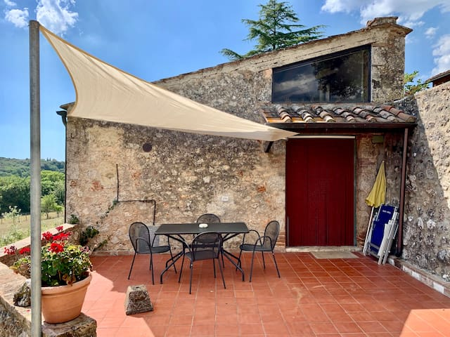 Lovely barn with pool near Siena