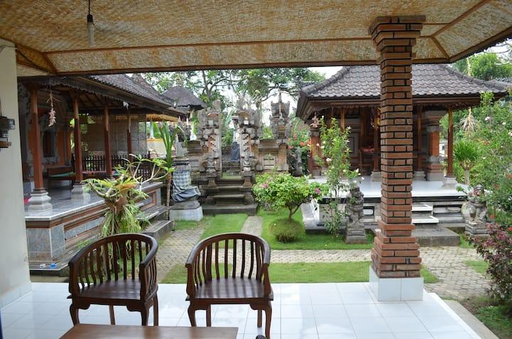 Delod Real Homestay in Bali Family - FAST INTERNET