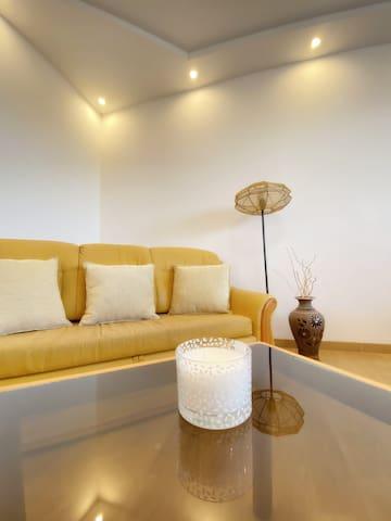 living room, apartment I.