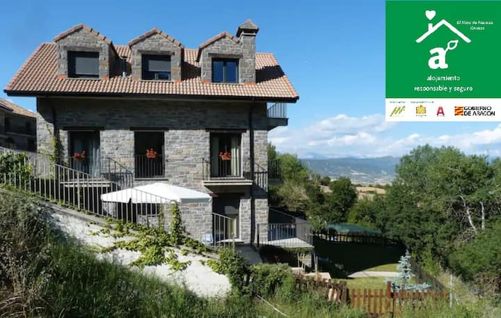 Beautiful B&B with garden & terrace -Pyrenees-Jaca