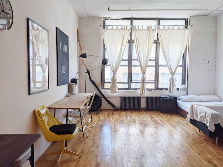 Bright, Airy Loft Apt in Bushwick