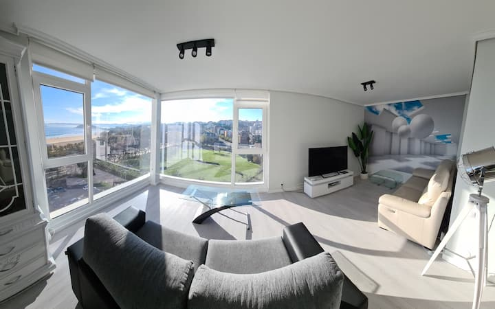 Luxury Flat with amazing views best location