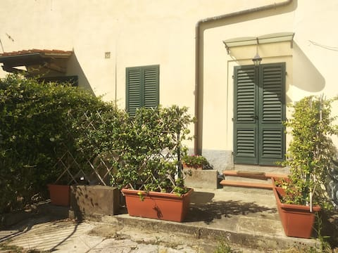 Bright & Quiet studio just outside  Florence