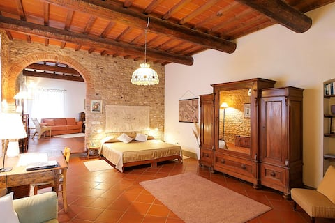 Chiara- cozy Chianti lodging with private area