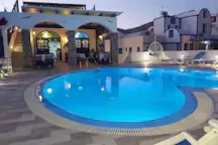 Honeymoon Suite 3  (4-6 guests) - Sea View