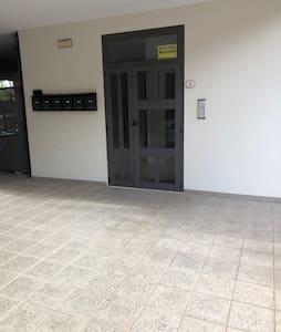 Portone ingresso condominiale