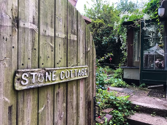 Cosy Country Cottage on the Jurassic Coast