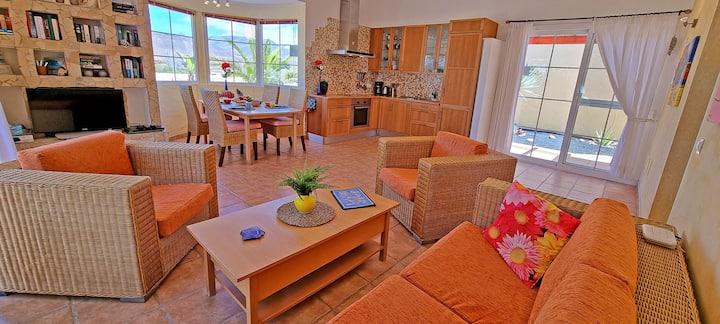 House Casa Oasis LA PARED 4 persons Oceanview WiFi